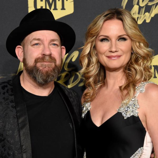 Kristian Bush & Jennifer Nettles at the Grammys