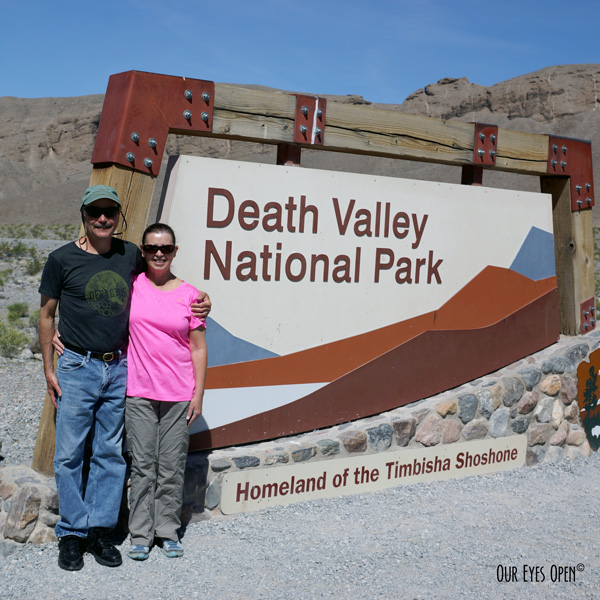 Frank & me in front of the Death Valley National Park in California on our honeymoon in 2017.